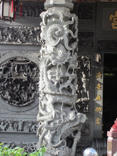 Yap temple outer pillar carvings