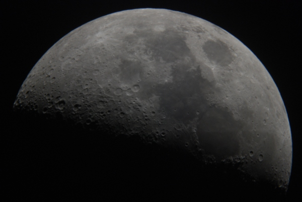 Moon close up using -konus-2000mm-telescope f23