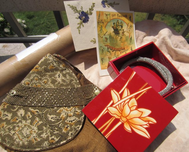 jewellry, jewellry box, raw silk purse