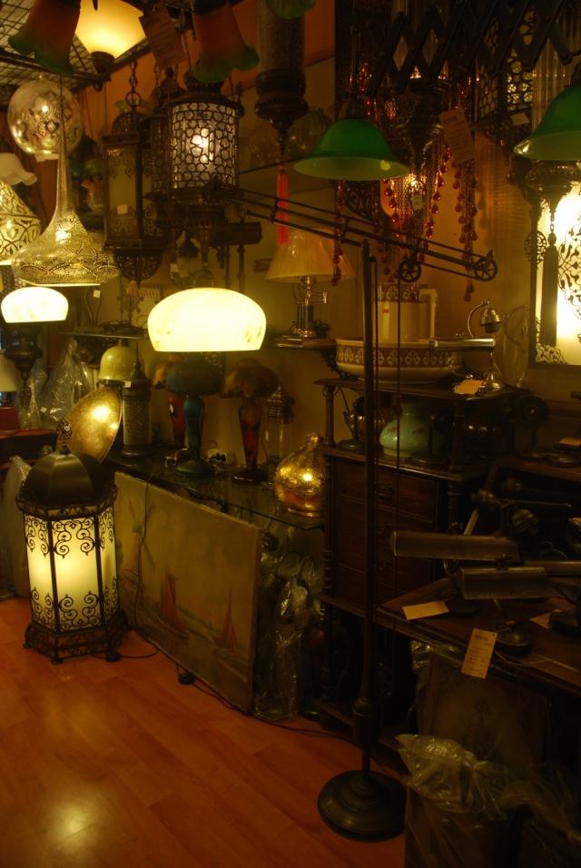 Pendulum lamp